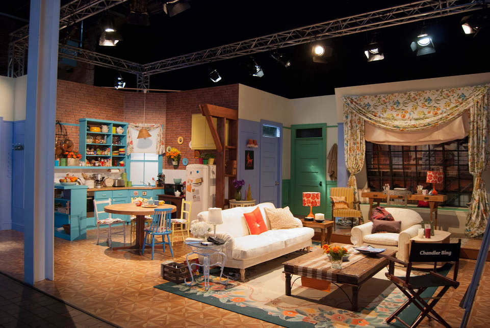 Pr Live Recreates Monica And Rachel S Friends Apartment