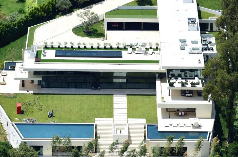 Jay Z And Beyonce Loose Out To Minecraft Creator For High Tech Home