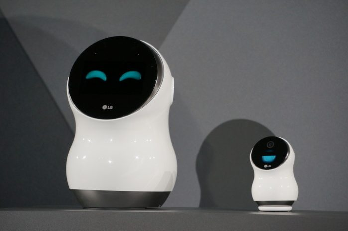 Internet Companies Near Me >> LG Electronics Predicts The Age Of Domestic Robots Is Near