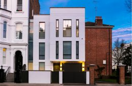 Landmass Executes Vision For Notting Hill 'Tardis' Home