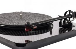 Elipson Welcomes Chroma Era Of Turntables